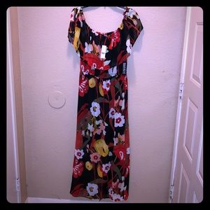 NWT New York and Company on or off shoulder maxi